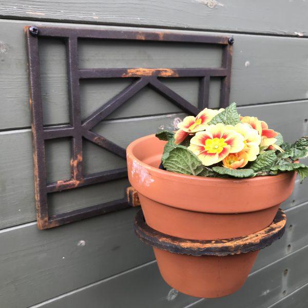 Cast Iron Flower Pot Holder