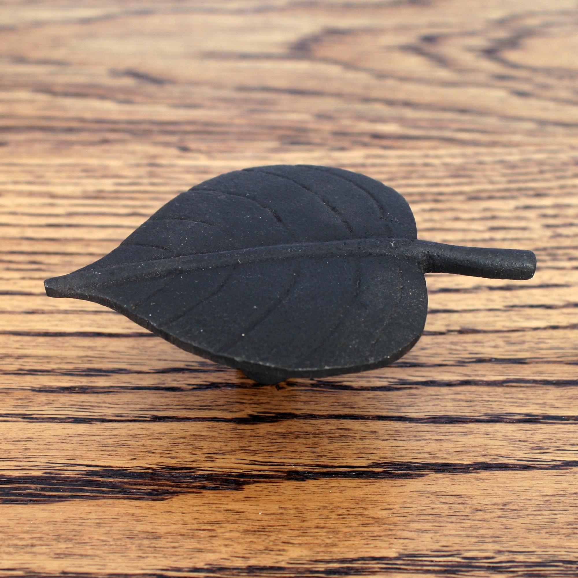 Cabinet Knob Leaf