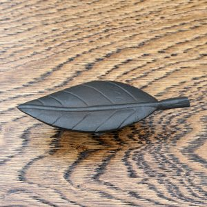 ong Leaf Design Cast Iron Cabinet Knob 106mm