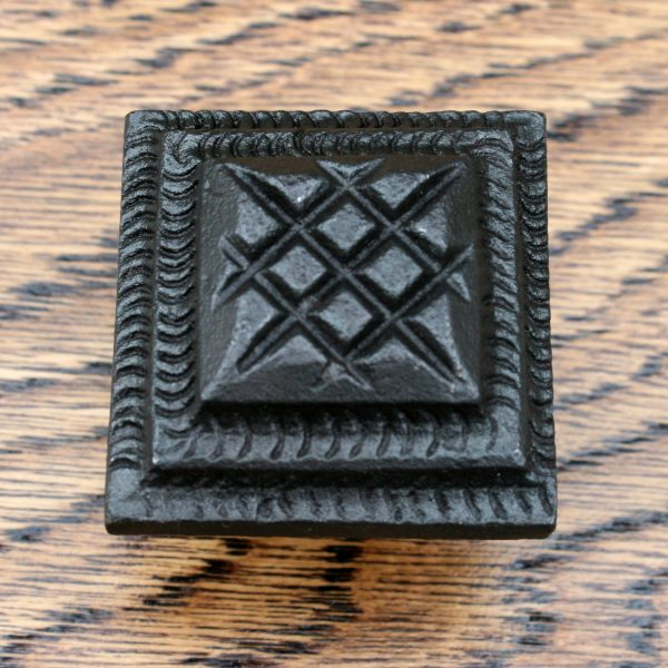 Rope Detailed Inca Pyramid Cast Iron Cabinet Knob 38mm
