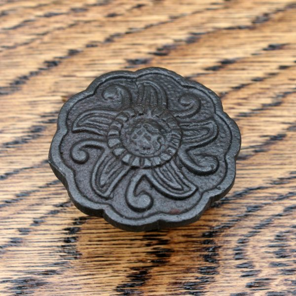 Five Pointed Sun Detailed Cast Iron Cabinet Knob 35mm
