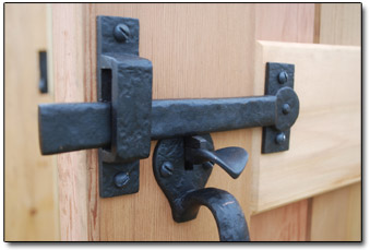 Which thumblatch should I choose for my door?